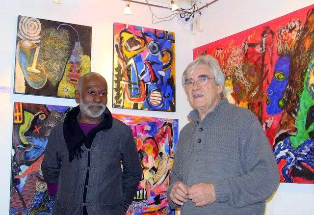 Daniel le responsable de la galerie avec Eddy Saint Martin peintre Haitien