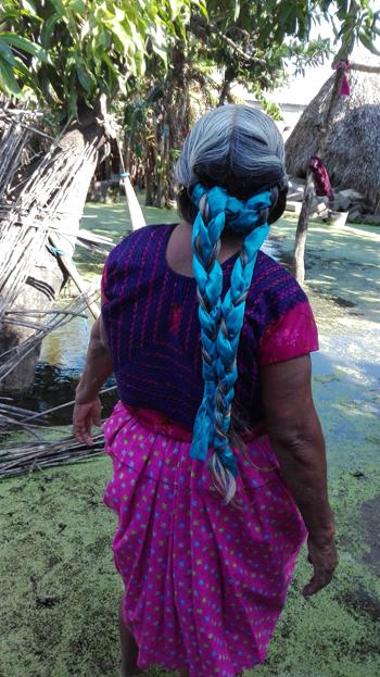 femme mexicaine à San Mateo del Mar dans la région d'Oaxaca