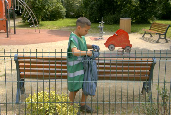 les jeunes nettoient le Blosne