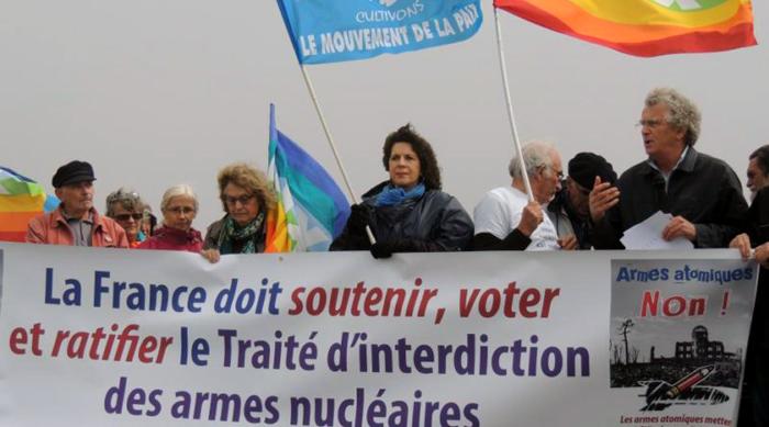 armes atomiques non !
