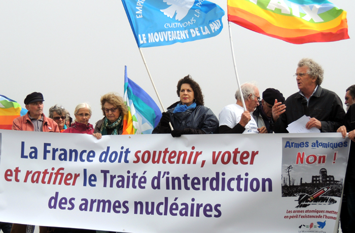 La France doit signer le traité d'interdiction des armes nucléaires adopté à l ONU le 7 juillet 2017