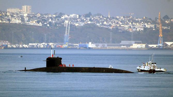 Sous-marin à l'Ile longue et vue de Brest
