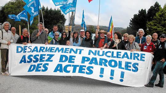 militants du désarmement nucléaire