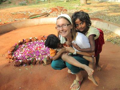 Mandala de fleurs pour l'anniversaire de Mirra Alfassa