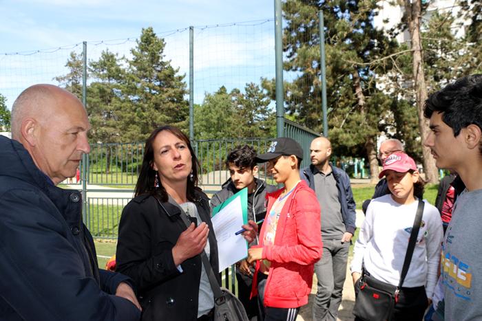 les représentants de la Mairie de quartier et la direction des Jardins de la Ville de Rennes.