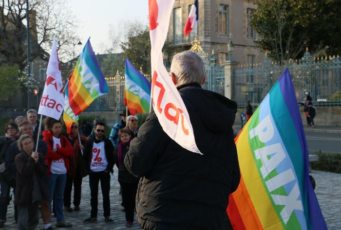 représentants d'Attac et du Mouvement de la Paix étaient à la rassemblement